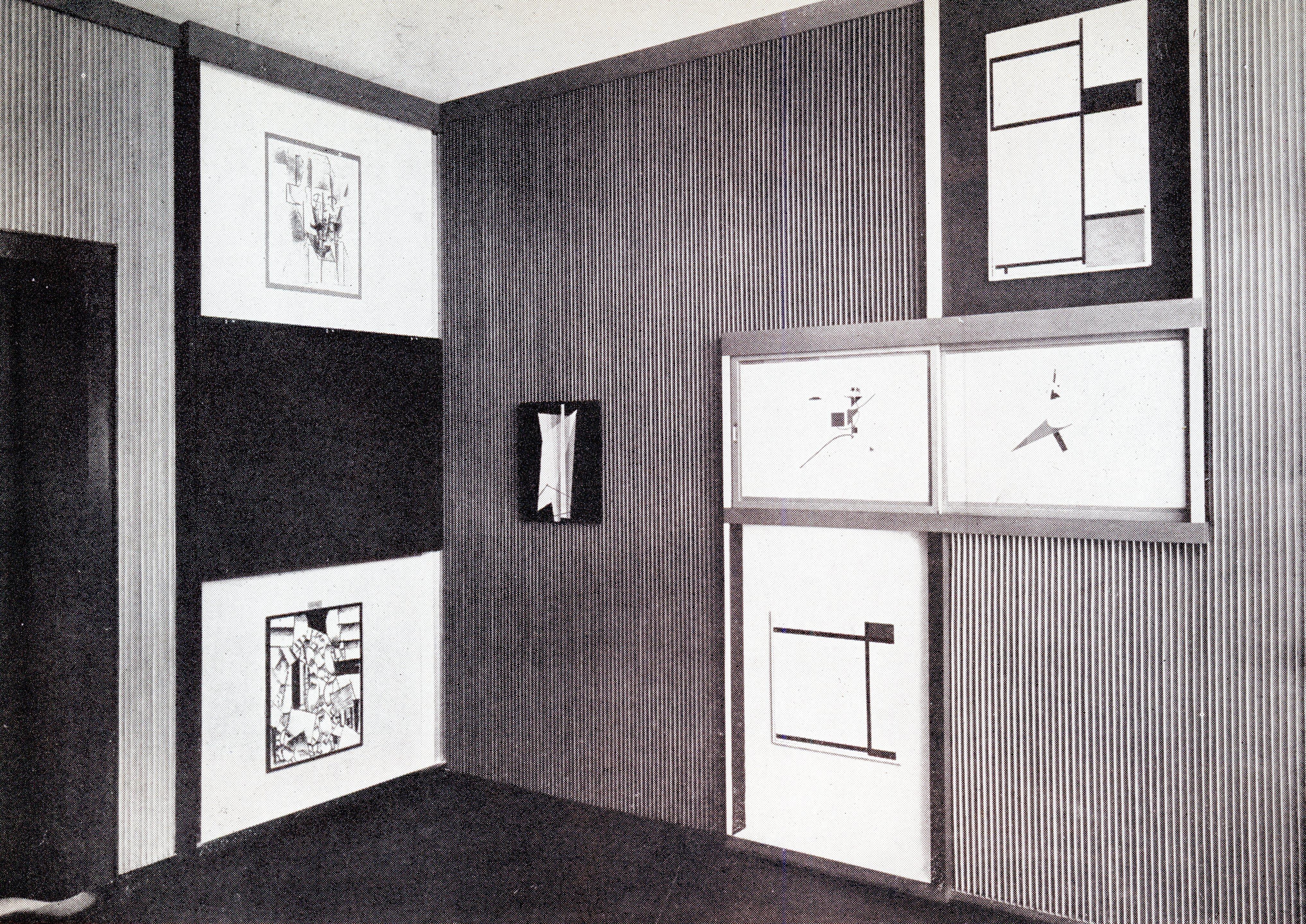 el-lissitzky-1927-8-abstract-cabinet-landesmuseum-hannover-dorner-239.jpg